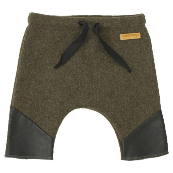 army green knitted pants, leather