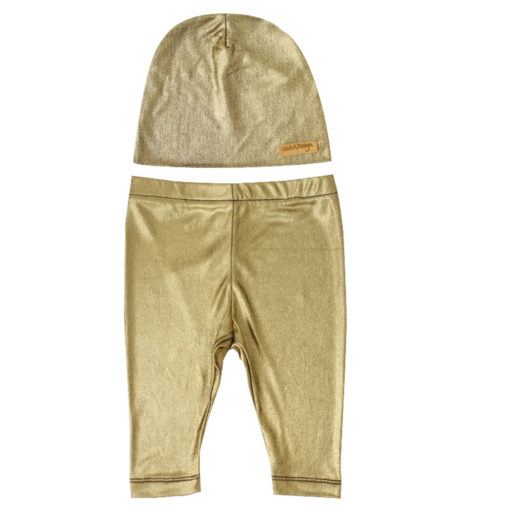 Golden leggings and beanie