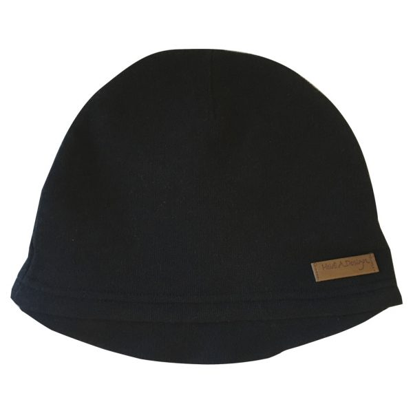Black beanie with lid
