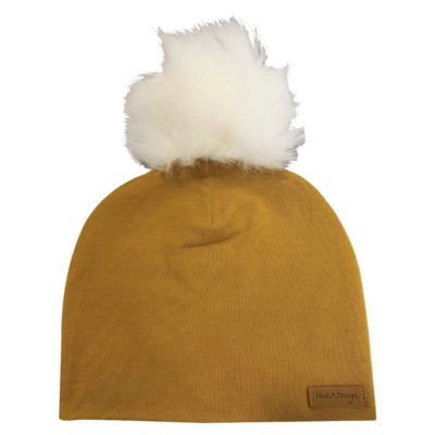 Cognac brown beanie with white pom pom