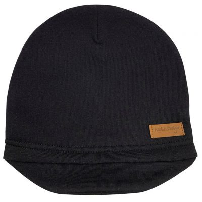 black beanie with a lid
