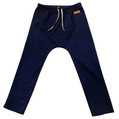 Dark blue pants with a pocket