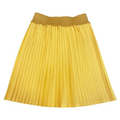 Yellow pleated skirt with yellow belt