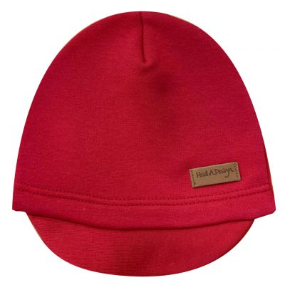 Red beanie with a lid